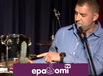 Video: Rolands Zagorskis jubilejā saņem erotisku dāvanu no Raivja Vidža