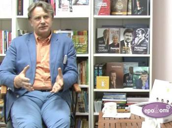 Video: Dziedātājs Nauris Puntulis sirsnīgā sarunā par un ap mūziku