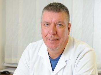 Onkologs Jānis Kāpostiņš: Visas slimības rodas no nerviem