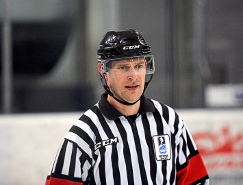 Odiņš tiesās Čempionu hokeja līgas 1/8fināla spēli