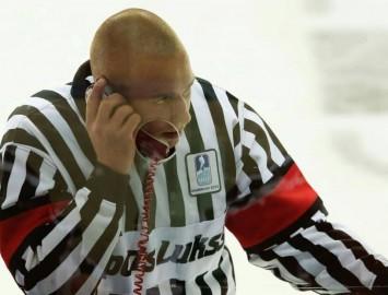 Andris Ansons uzaicināts tiesāt Kontinentālās hokeja līgas spēles