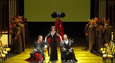 """8. decembrī Latvijas Nacionālajā operā notika Pētera Čaikovska operas """"Jevgeņijs Oņegins"""" jauniestudējuma pirmizrāde"""