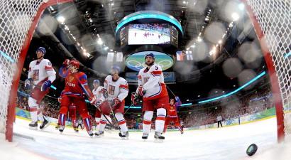 Krievi saspringtā spēlē pieveic čehus un uzvar B grupā