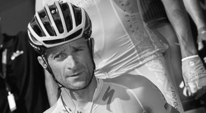 """Treniņa laikā negadījumā bojā gājis """"Giro"""" 2011. gada uzvarētājs Skarponi"""