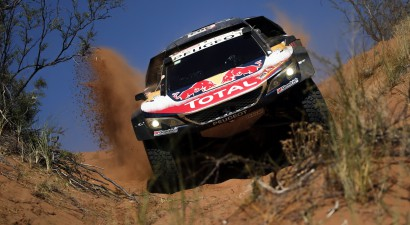 Petransels avarē, Sainss tuvojas uzvarai Dakaras rallijā