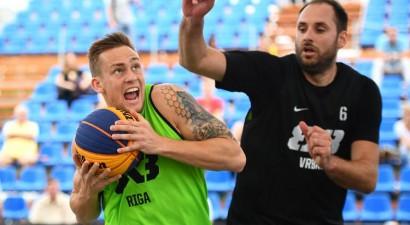 """""""Riga Ghetto Basket"""" ar divām uzvarām iekļūst Debrecenas """"Masters"""" 1/4 finālā"""