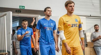 Telpu futbola virslīgā uzvaras svin ''Nikars'' un ''Jēkabpils Lūši/Ošukalns''