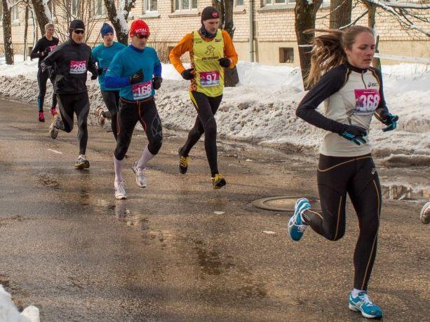 """""""Skrien Latvija"""" Rēzeknē: Lina skrējusi ar rezervi, Bērziņu pārsteidzis kāpums"""