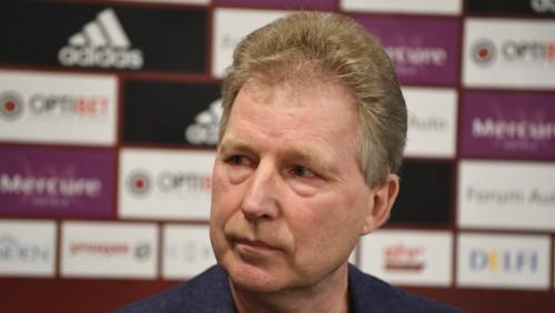 Latvijas izlases vadītājs Starkovs pretendē uz RFS galvenā trenera amatu