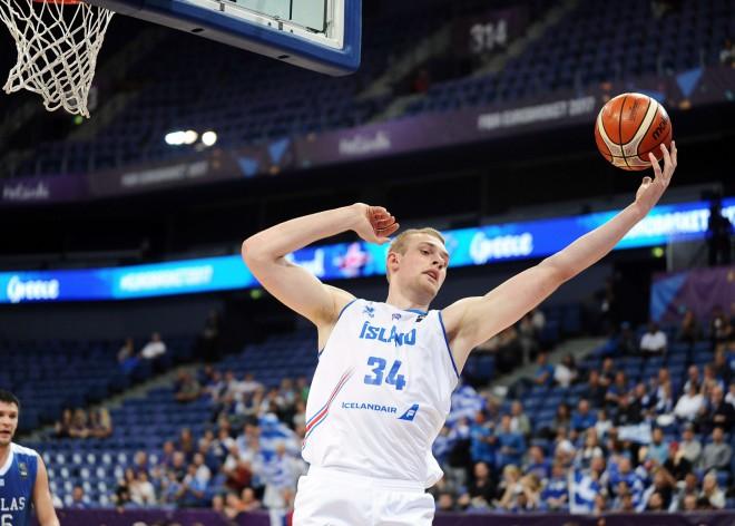 Eirolīgā debitējusī islandiešu cerība Hlinasons piesakās NBA draftam