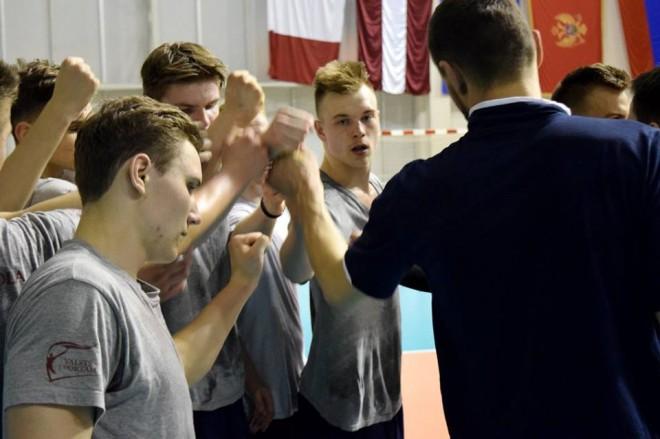 U20 volejbola izlase kvalifikācijas 2.kārtu sāk ar zaudējumu francūžiem