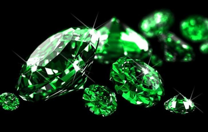 16.decembra dienas akmens- SMARAGDS