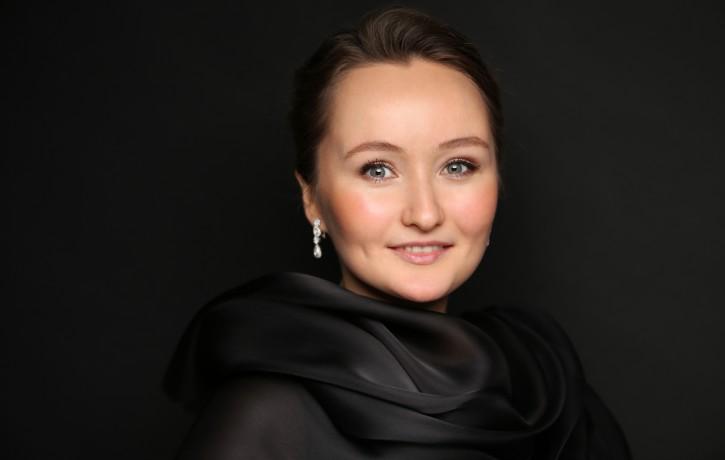 """Senās mūzikas festivālā uzstāsies baroka mūzikas """"spožā saule"""" - Jūlija Ļežņeva"""