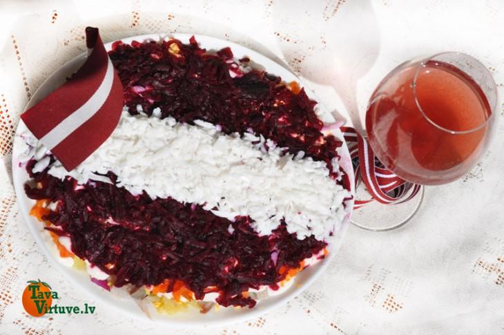 Latvijas svētku siļķe kažokā