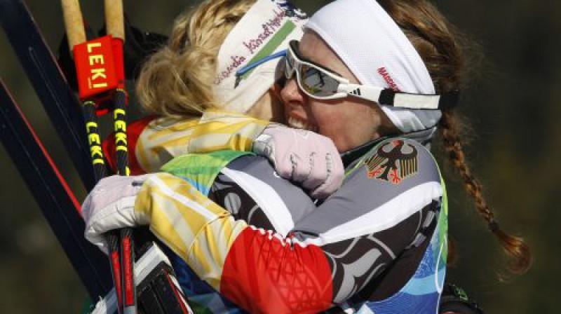 Vācijas slēpotājas svin uzvaru  Foto: AP/Scanpix