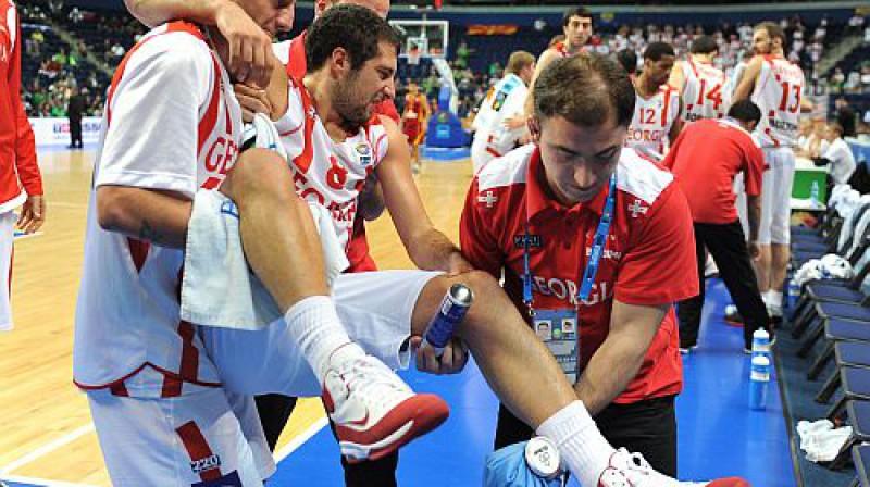Gruzijai zaudējums ne tikai spēlē, bet arī sastāvā - savainots Georgs Cincadze. Foto: AP/Scanpix