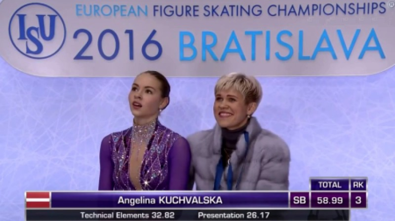 Angelina Kučvaļska un trenere Jekaterina Platonova  Foto: Eurosport 2