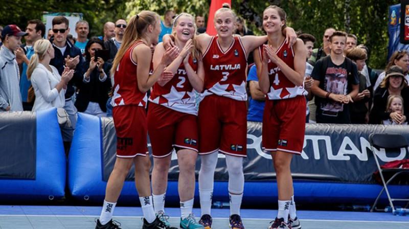 Latvijas U18 3x3 izlases basketbolistes Publicitātes foto