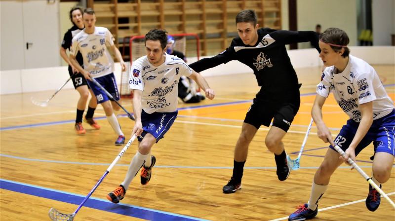 """Moments no spēles starp komandām """"Ogres Vilki"""" un """"Lekrings"""". Foto: Ritvars Raits, floorball.lv"""