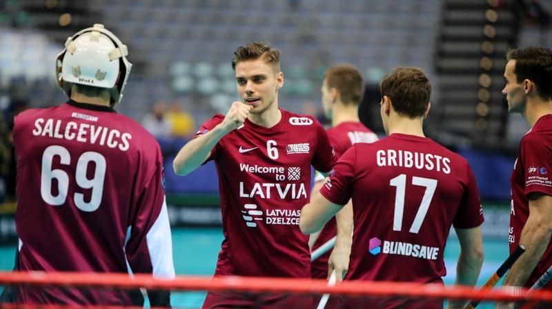 Edžus Ceriņš, kuram šajā čempionātā četri vārtu guvumi, mačā pret zviedriem palika tukšā. Kā būs pret norvēģiem? Foto: Ritvars Raits, floorball.lv