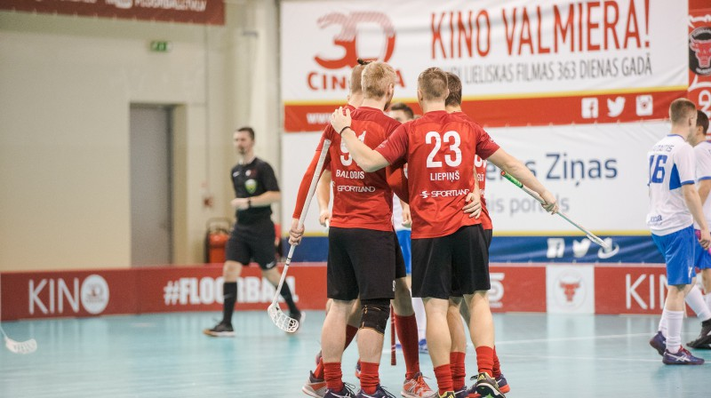 """""""FBK Valmiera"""" uzvarējusi trijās spēlēs pēc kārtas un šovakar lūkos panākumu sēriju turpināt Foto: Floorball.lv"""