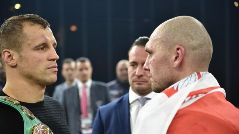Mairis Briedis un Kšištofs Glovackis. Foto: World Boxing Superseries