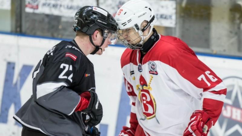 """Arī otrā spēle pret """"Russkiye Vityazi"""" bija saspringta. Foto: www.hkr.lv"""