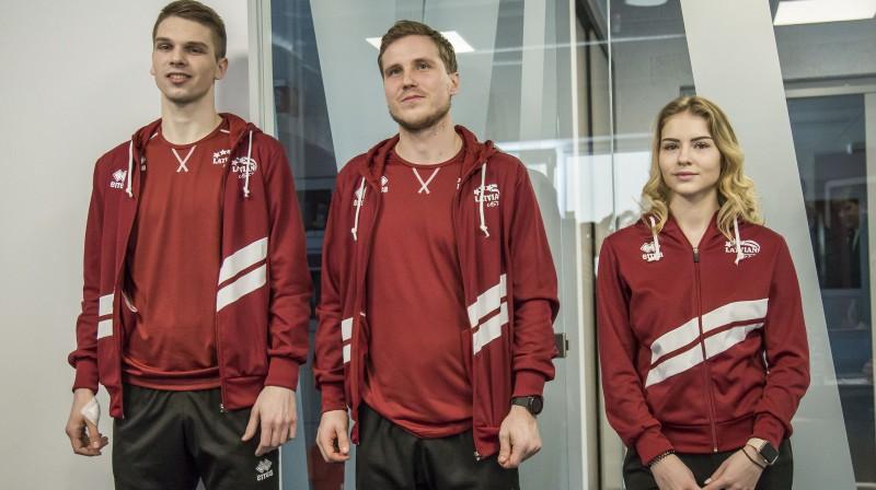 Endijs Vīgants, Miks Zvejnieks un Angelina Kučvaļska prezentē Latvijas delegācijas tērpus Ziemas Universiādē