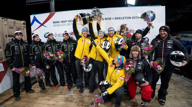 Pasaules čempionāta labākās trīs ekipāžas - Kanāda, Latvija un Vācija. Foto: EPA/Scanpix