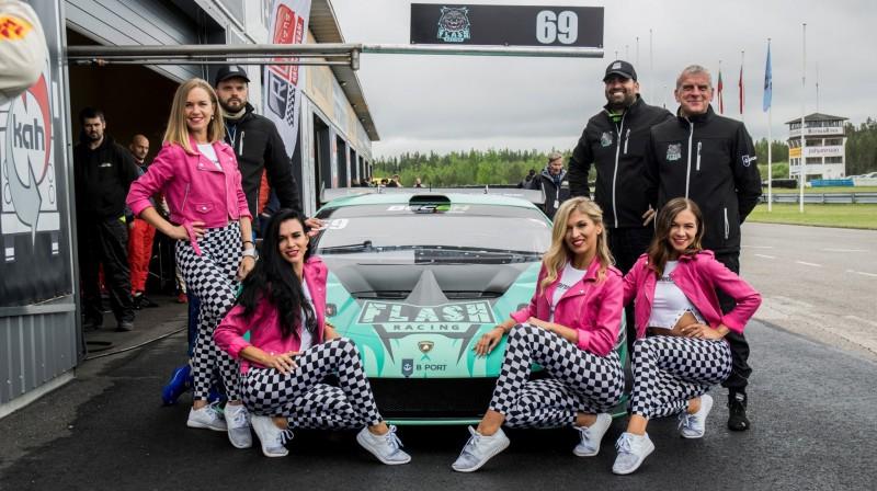 Flash racing. Publicitātes foto