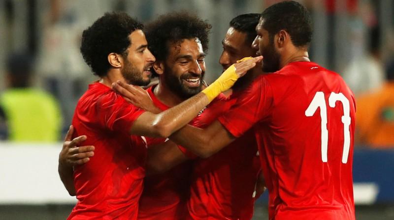 Mohameds Salāhs un citi Ēģiptes izlases futbolisti svin vārtu guvumu. Foto: Reuters/Scanpix