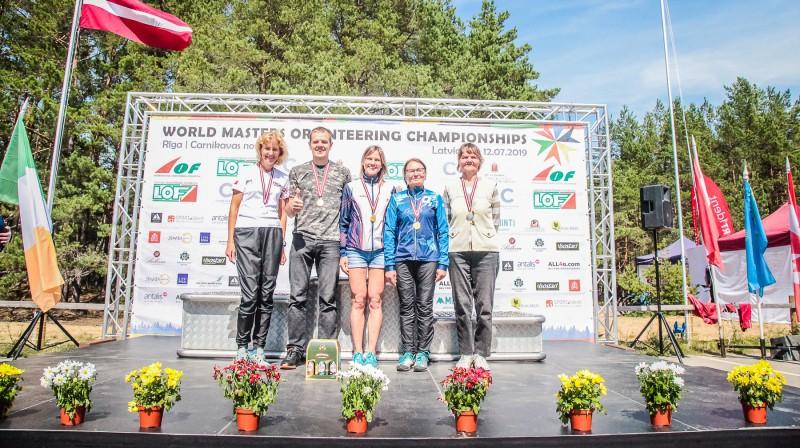 Pasaules veterānu orientēšanās čempionāta garās distances medaļnieki no Latvijas. Foto: Jānis Līgats