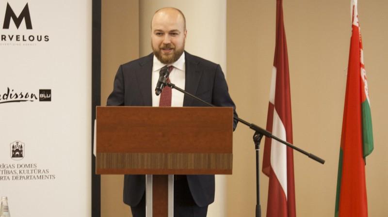Roberts Misāns Pasaules kausa posma atklāšanas ceremonijā. Organizatoru foto