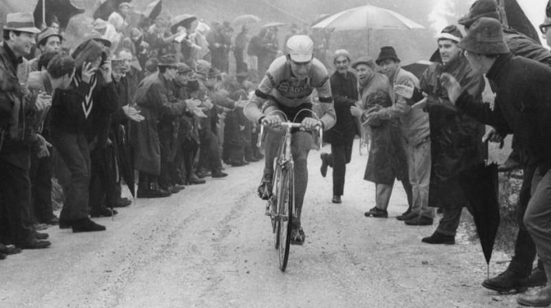 """Feliče Džimondi 1967. gada """"Giro d'Italia"""". Foto: Allsport Hulton"""