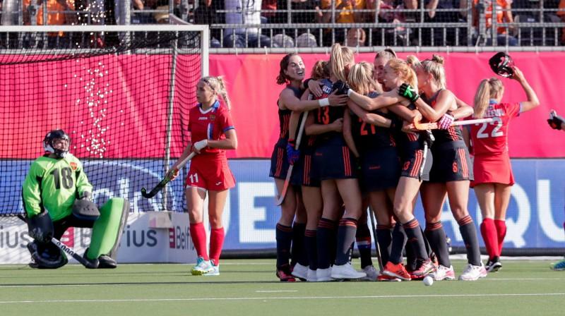 Nīderlandes izlases spēlētājas svin kārtējo vārtu guvumu Foto: EPA/Scanpix