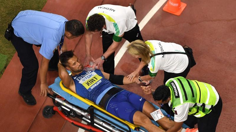 Magnuss Kirts pēc traumas gūšanas. Foto: AFP/Scanpix