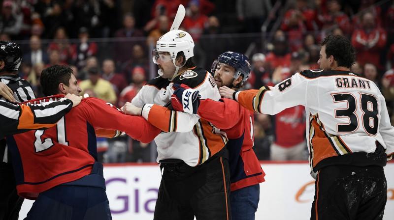 Gārnets Hetevejs pret Eriku Gudbransonu. Foto: AP/Scanpix