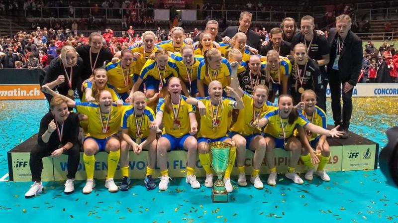 2019. gada pasaules florbola čempionāta uzvarētājas - Zviedrijas valstsvienība Foto: IFF Floorball