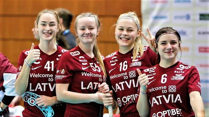 Latvijas U19 izlases spēlētājas. Foto: Ritvars Raits, floorball.lv