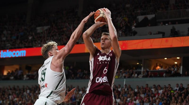 Basketbola fana sapnis - Kristaps Porziņģis Latvijas izlasē. Foto: Romāns Kokšarovs, f64