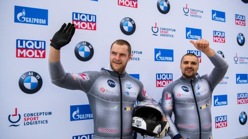 No kreisās: Matīss Miknis un Oskars Ķibermanis. Foto: Viesturs Lācis/bobslejs.lv