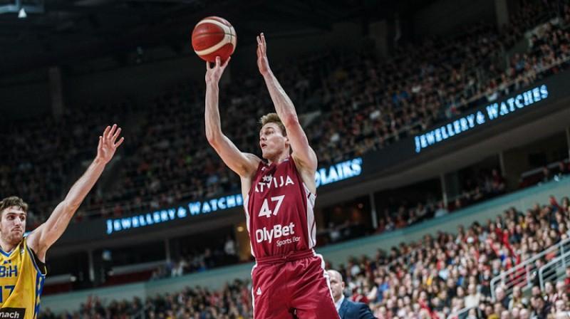 Artūrs Kurucs: seši punkti debijas spēlē Latvijas valstsvienībā. Foto: FIBA