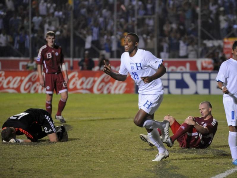 Astafjeva rekordmačā zaudējums Hondurasā