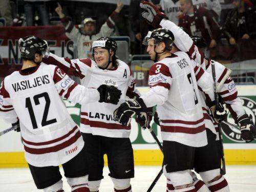 Latvija salauž Itālijas pretestību un spēlēs par astoņnieku