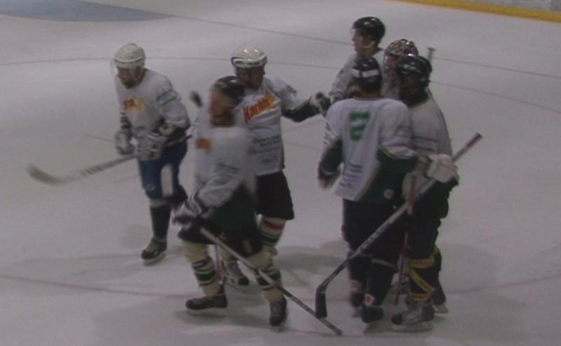 Sportacentrs.com minihokeja 2. posmā uzvar Karāts un Bauska, piektdien 3. posms