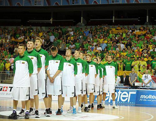 Lietuva viegli apspēlē Krieviju un finālā tiksies ar Serbiju