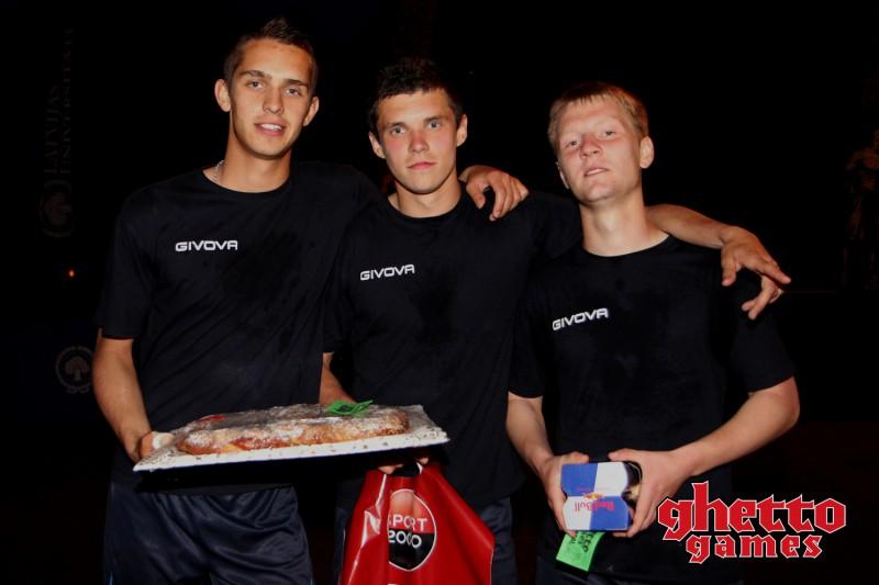 """FC """"Jūrmala"""" spēlētāju trio uzvar """"Ghetto Football"""" ielu futbola turnīrā"""
