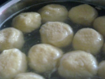 3 garšīgas ēdienu receptes no biezpiena