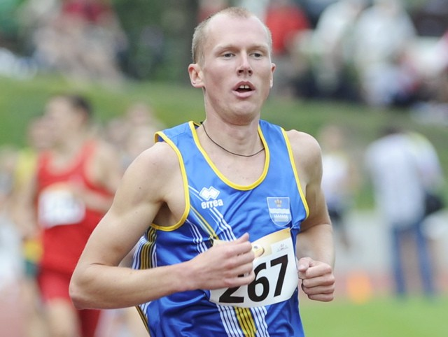 Jurkevičs labo Latvijas rekordu 3000 metros