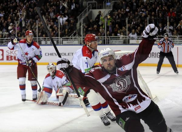 """""""Dinamo"""" izsēj pārsvaru, tomēr spēj revanšēties CSKA"""